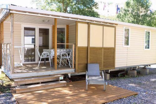 Camping les eaux chaudes suite soleo 6