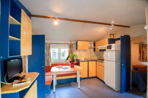 camping les eaux chaudes cottage 3 chambre 02