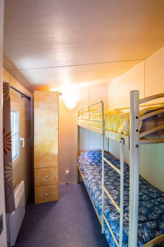 camping les eaux chaudes cottage 3 chambres 03